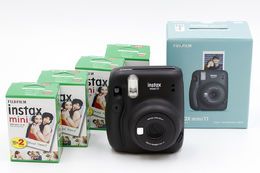 Fujifilm Instax Mini 11 Starter Kit, Charcoal Gray
