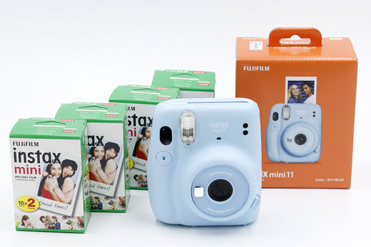 Fujifilm Instax Mini 11 Starter Kit,  Sky Blue